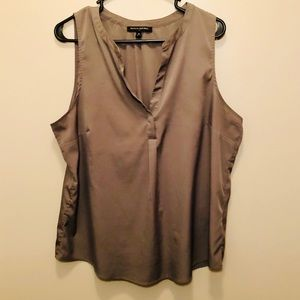 Banana Republic Factory Grey V-Neck Shell Tank